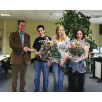 Beitragsbild: 03. Juli 2008 Drei Auszubildende der Harlander GmbH mit erfolgreichem Ausbildungsabschluss