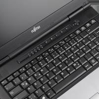 Fujitsu Lifebook S752 mit Webcam ohne fp deutsch